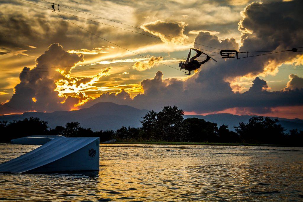 wakeboard_wake_wakeboarding