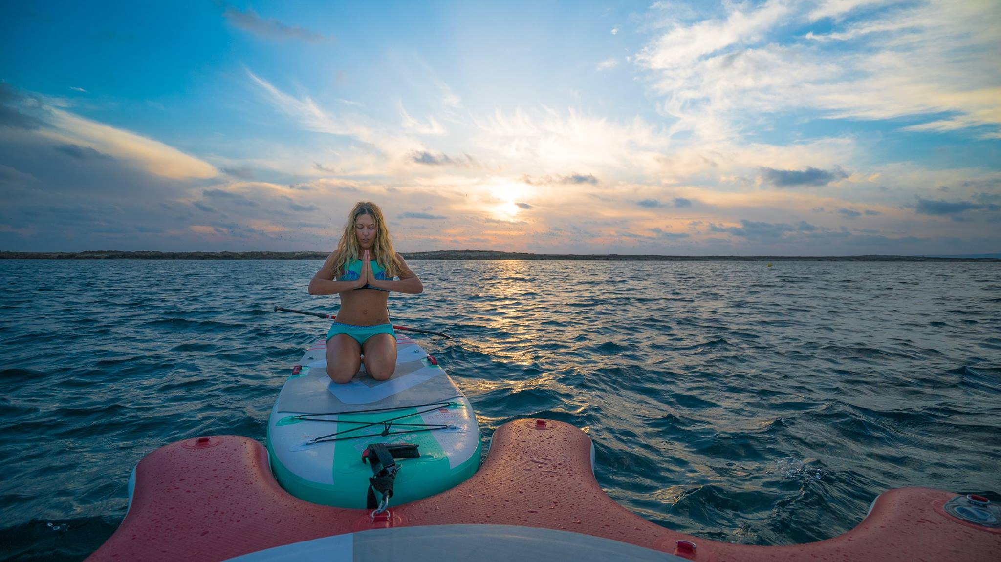 kirsty-jones-sup-yoga